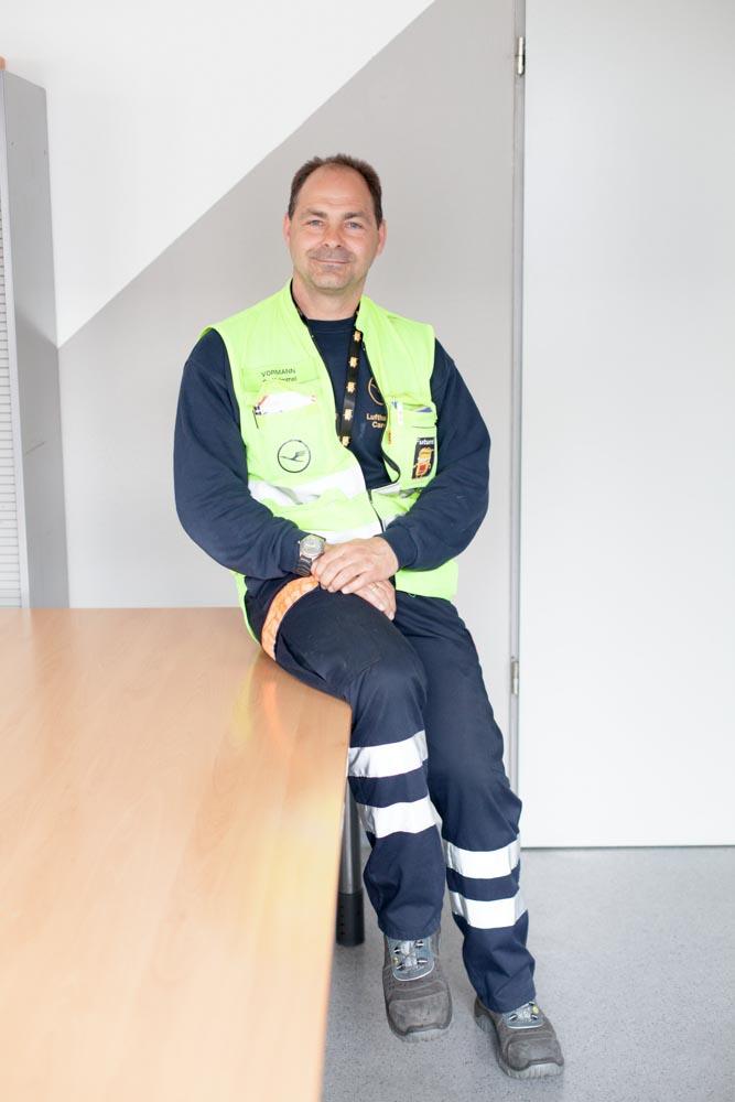portrait_daniel_kummer-Lufthansa_cargo_staff-04