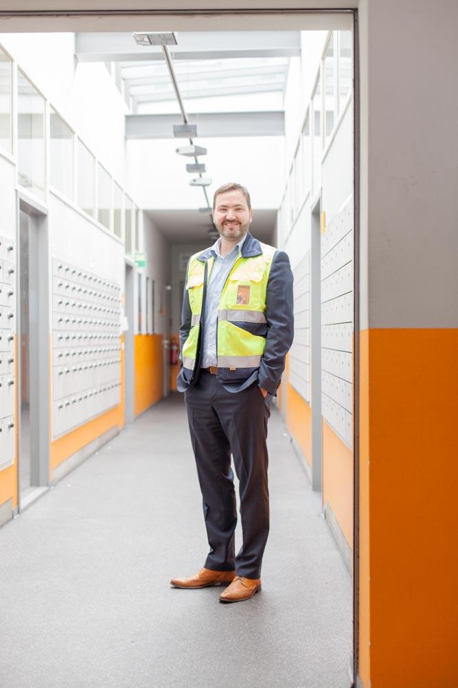 portrait_daniel_kummer-Lufthansa_cargo_staff-07