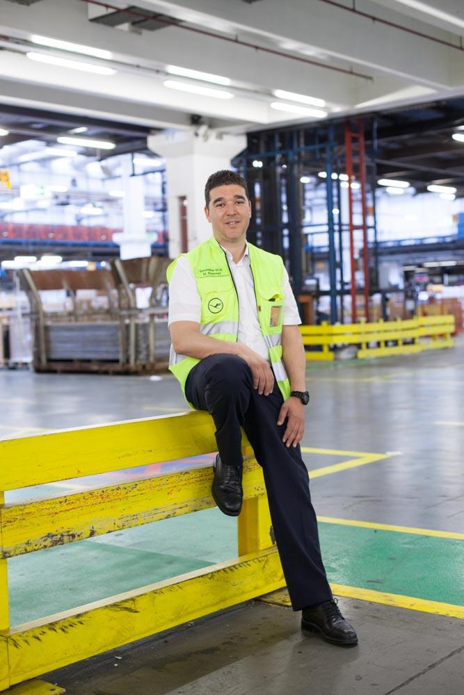portrait_daniel_kummer-Lufthansa_cargo_staff-08